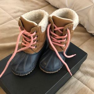 Gap winter boots used